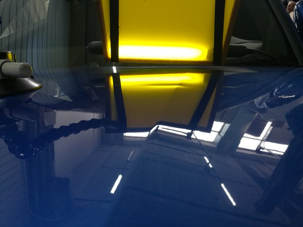 Ремонт вмятин на капоте Porsche Panamera S4